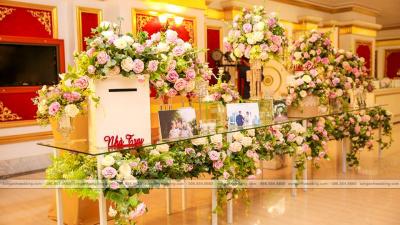 Lựa chọn tone màu trang trí tiệc cưới theo phong cách