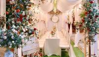 Sử dụng hoa tươi hay hoa lụa trong trang trí tiệc cưới?