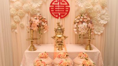 Bàn gia tiên - Trang trí tiệc cưới chuẩn phong tục