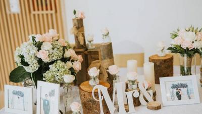 Tuyệt chiêu tận dụng đồ vật có sẵn để trang trí tiệc cưới tại gia