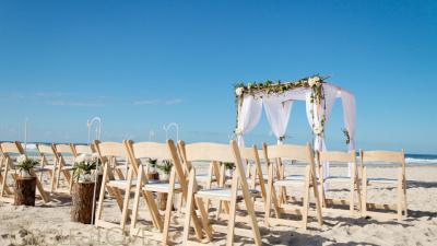 Trang trí tiệc cưới trên bãi biển - đem cả đại dương vào hôn lễ của bạn
