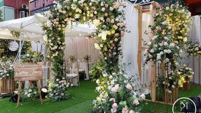 Mê mẩn với 6 mẫu thiết kế cổng hoa cưới siêu xinh từ nhiều chất liệu