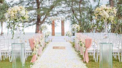 Đám cưới Châu Âu ngọt ngào bên bờ biển cho cặp đôi lãng mạn
