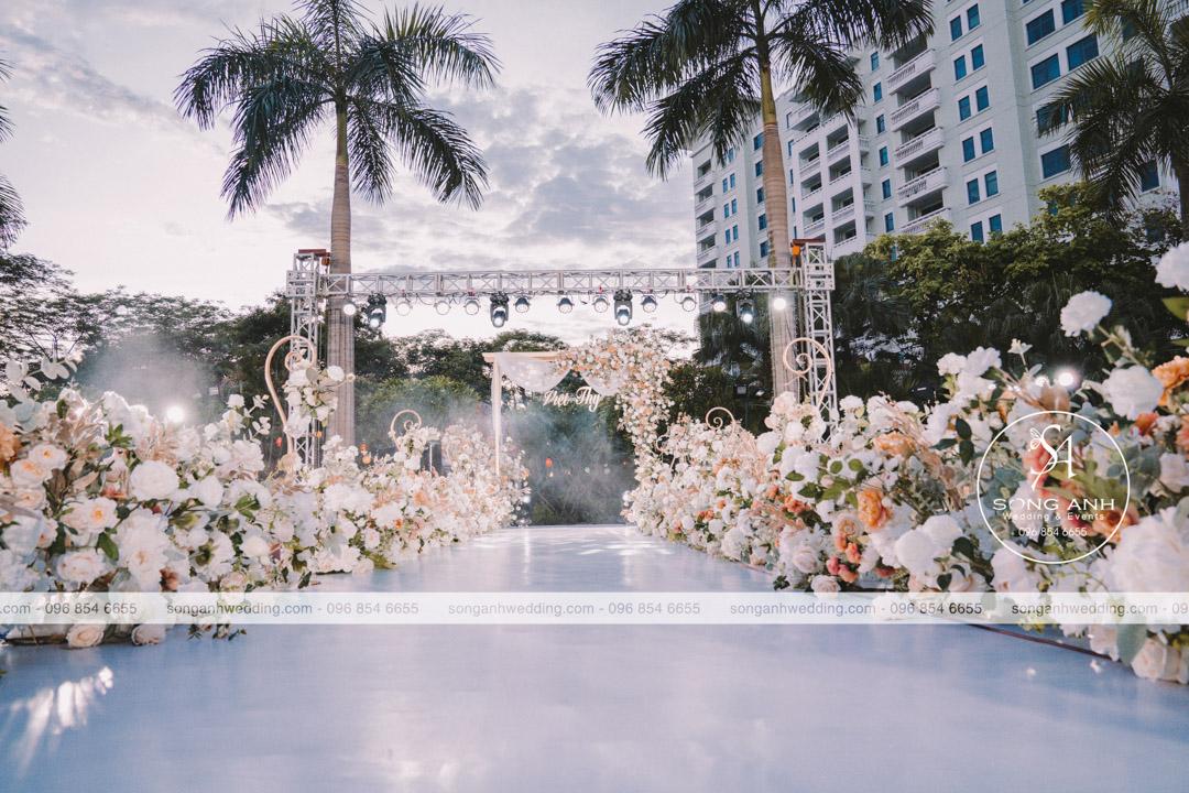 Trang trí tiệc cưới hiện đại