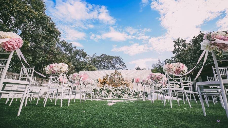 Sân khấu trang trí tiệc cưới