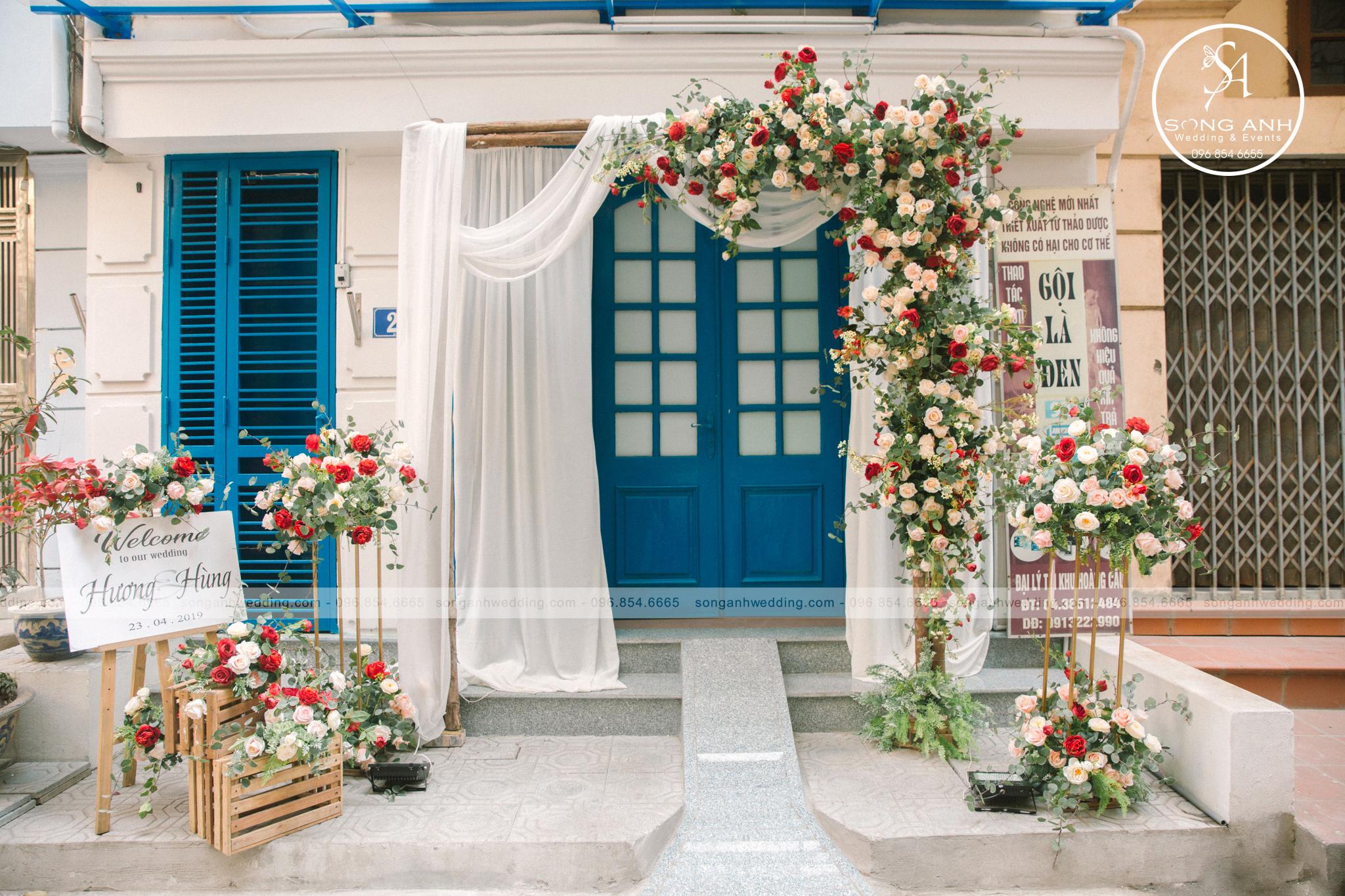 trang trí tiệc cưới tại gia cho không gian nhỏ