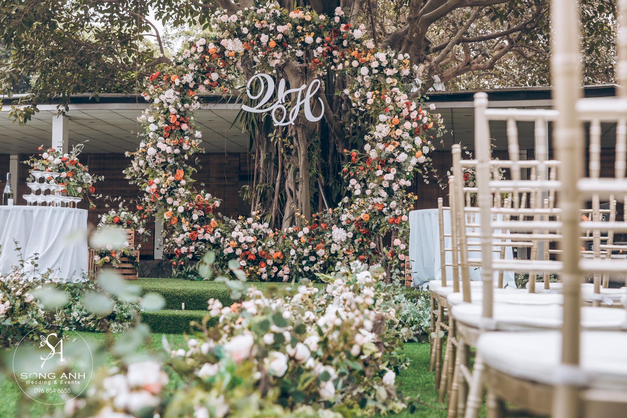 Màu sắc trang trí tiệc cưới