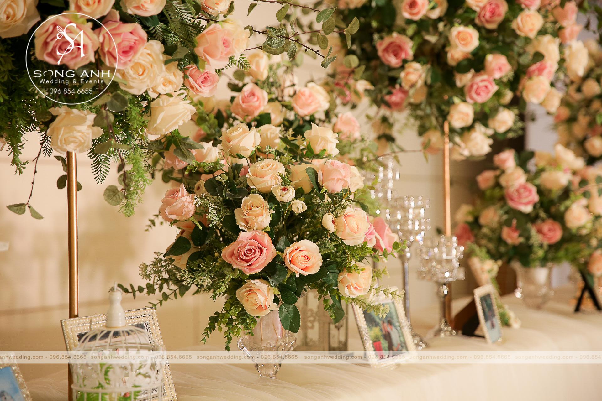 trang trí tiệc cưới theo phong cách
