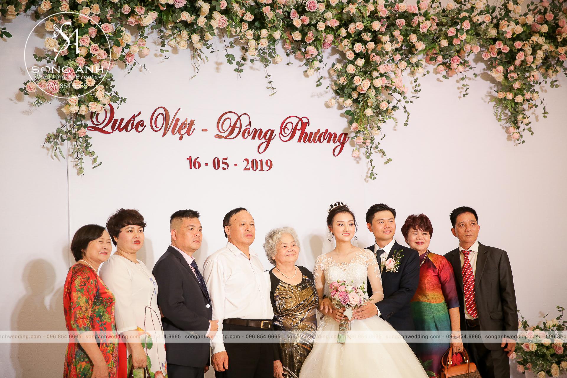 trang trí nhà hàng tổ chức tiệc cưới
