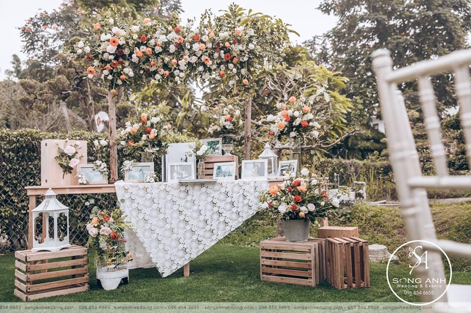 chi phí trang trí tiệc cưới