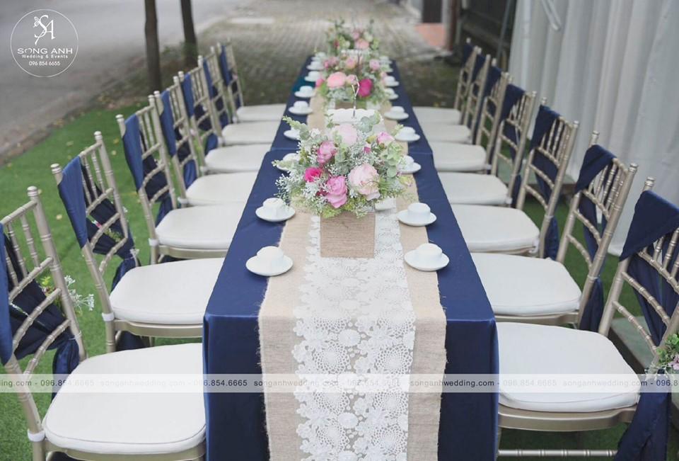 Bàn ghế tiệc cưới