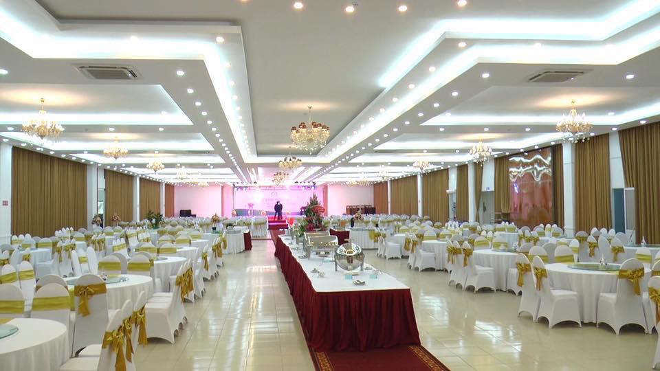Trang trí tiệc cưới tại nhà hàng khách sạn