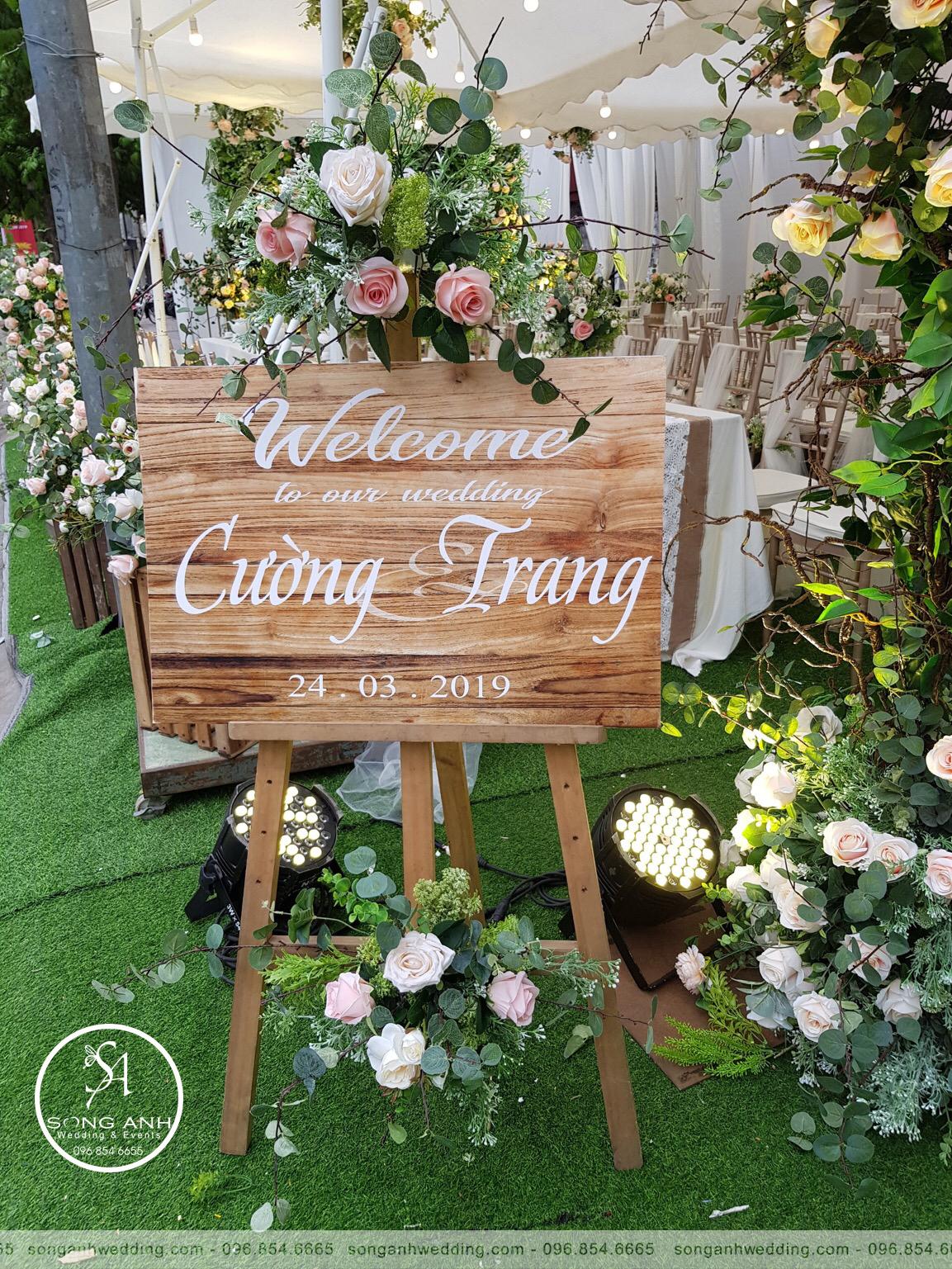 phu-kien-trang-tri-tiec-cuoi-SongAnhWedding