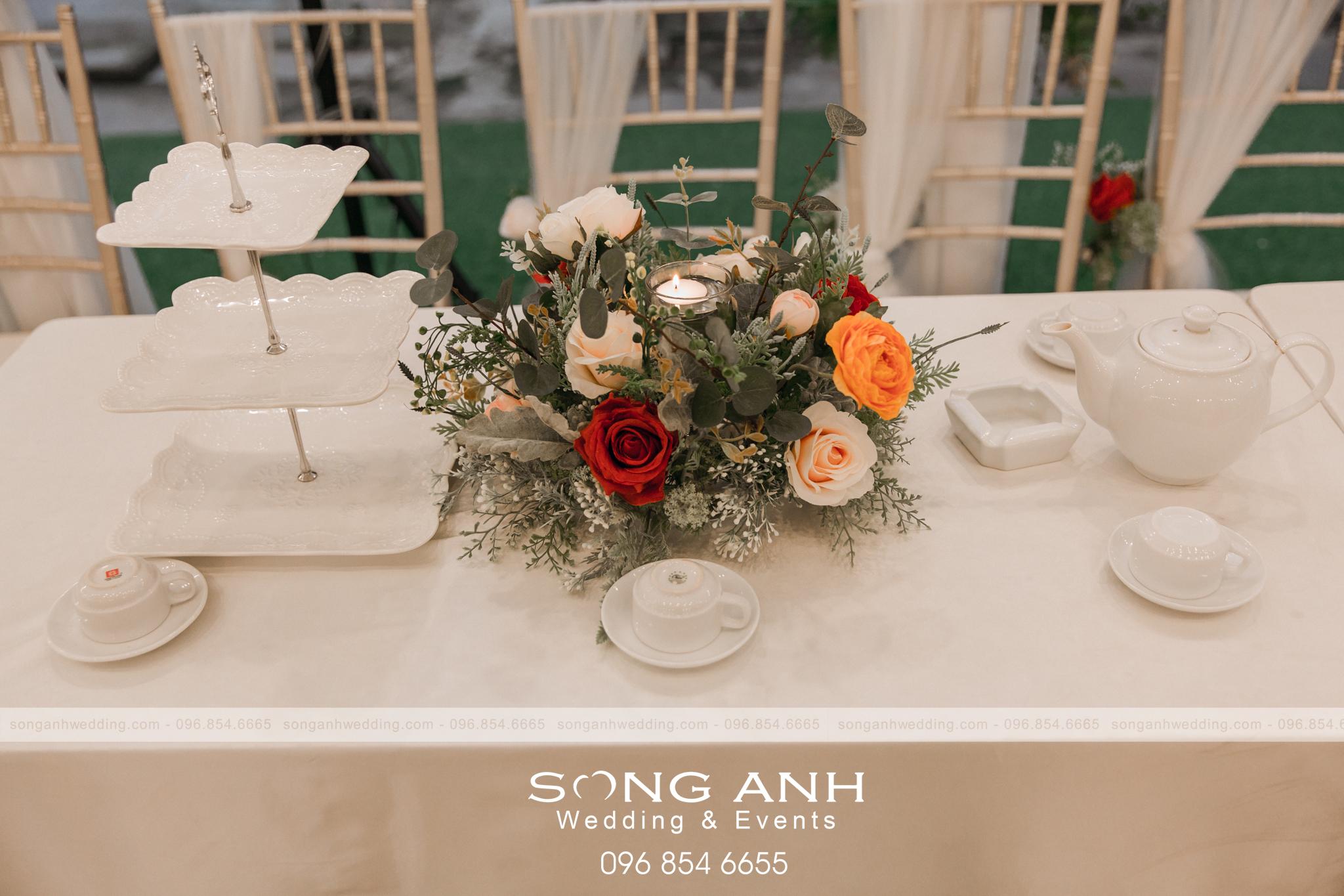 SongAnh-phu-kien-trang-tri-ban-tiec-cuoi